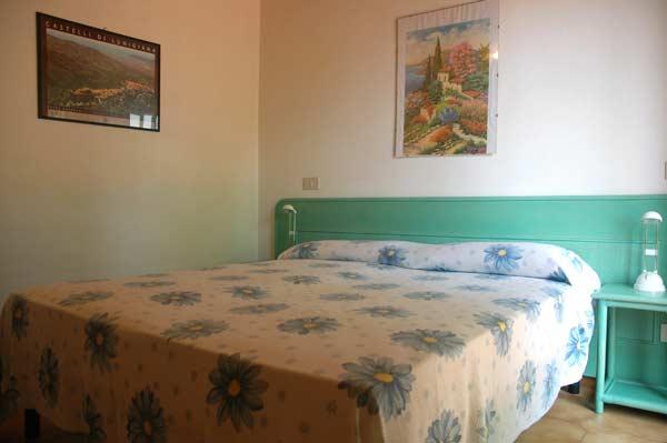 Isola d 39 elba appartamenti le sprizze appartamenti isola for Appartamenti con due camere matrimoniali
